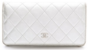 chanel-wallet-metallic2