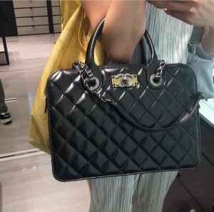 Chanel-Quilted-Tote-Bag-with-Vintage-CC-Clasp (1)